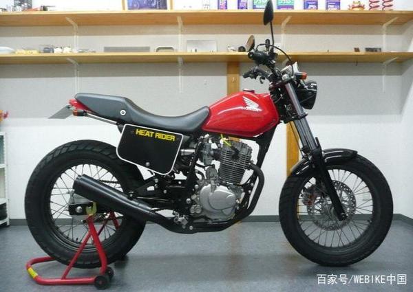 非常容易操控的本田FTR223摩托�