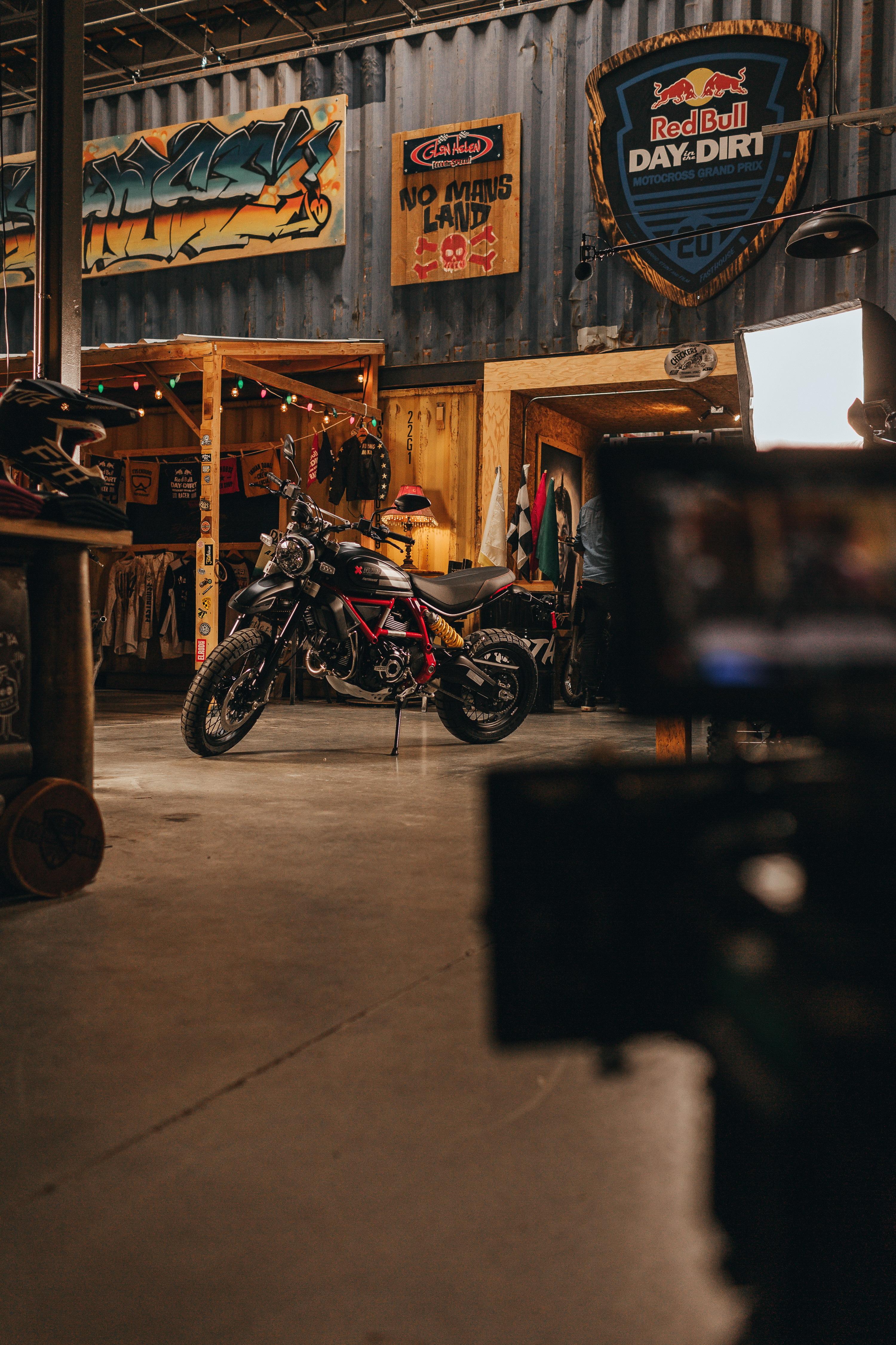 杜卡迪 Ducati沙漠雪橇Desert Sled限量800部、自游 Desert Sled Fasthouse(1)