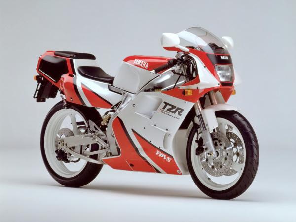 �型�v史�D�欤�Yamaha TZR250 第二代