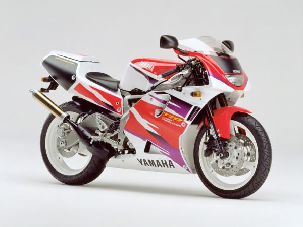�型�v史�D�欤�Yamaha TZR250 第三代 最�K型