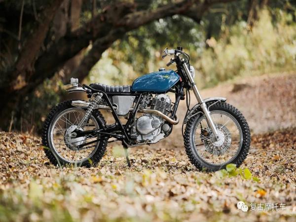 平易近人的改装:Suzuki ST250 Scrambler