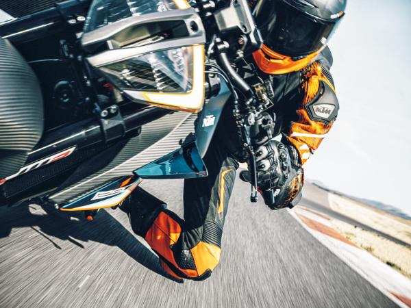 KTM 1290 Super Duke RR:�敉馓��
