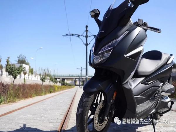 大哥的踏板:本田NSS350视频评测