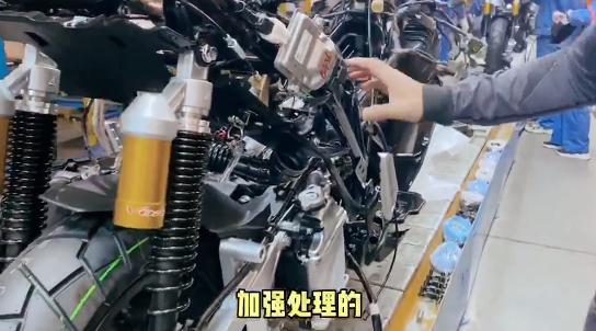 小七探访大阳摩托生产线 发现了....