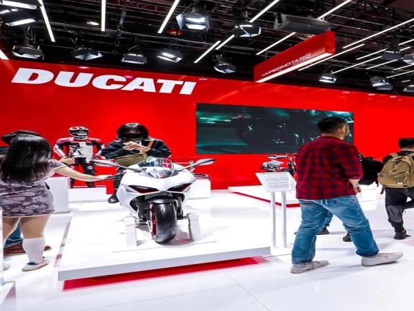 杜卡迪强势亮相2021上海国际汽车展览会