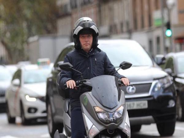 市长狂爱摩托车 马德里开通摩托车专用道