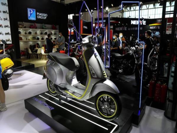 摩托也要新能源VespaElettrica发布