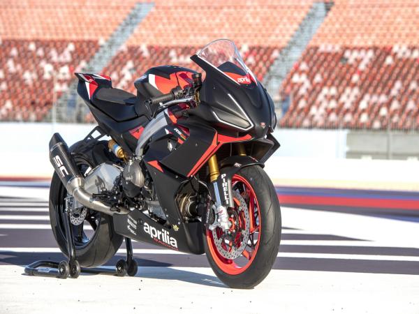 细节特写:阿普利亚 RS660 Trofeo 赛车