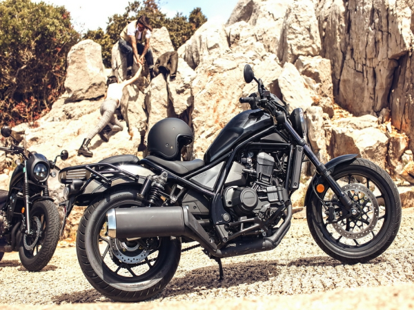 DCT版定价约17万,Honda CM1100正式发售