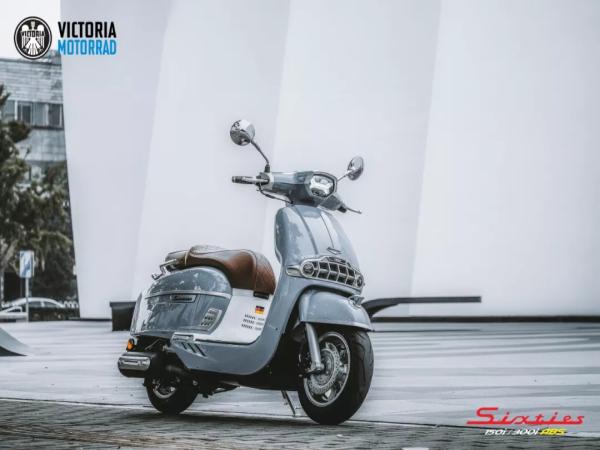 "Sixties 300i荣获""2021年度中国摩托车十佳车型奖""!"